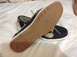 """I love comfort"" shoes. Leather upper. Size 10 London Ontario image 2"