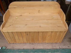 Solid wood bench perfect for toys box etc...
