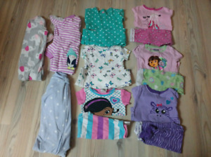 Toddler girl size 24m, 2T clothes