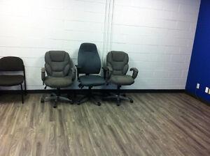 Chaises de bureaux à donner