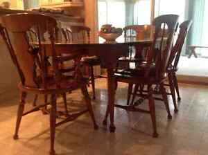 vilus dining table and chairs