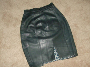 5 Suede/leather skirts...to wear or to sew or to make crafts London Ontario image 1