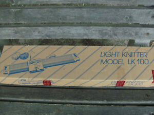 Singer LK100 LK-100 Light Knitter Knittng Machine  New Unused