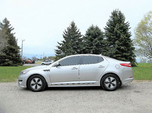 2012 Kia Optima HYBRID Sedan- ONE OWNER & ALL NEW BRAKES!!