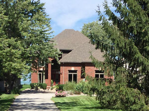 Beautiful Waterfront Home on Lake St Clair