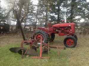 1949 Farmall Super A tractor West Island Greater Montréal image 3
