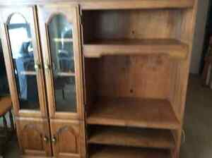 Hutch/china cabinet/tv cabinet Cornwall Ontario image 1
