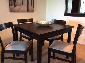 IKEA Extendable kitchen table with 4 chairs (black/brown)