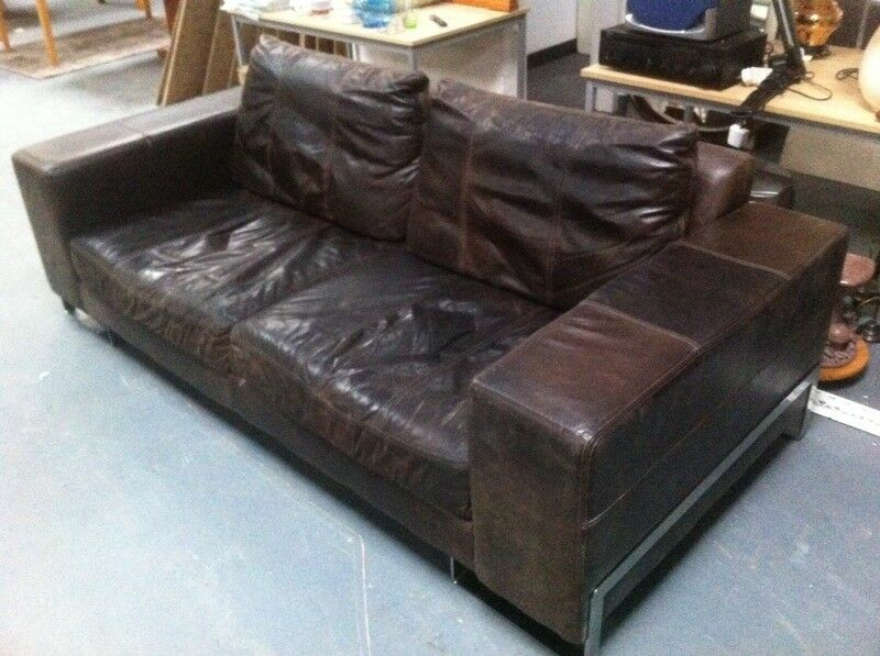 Large leather Sofa : can deliver