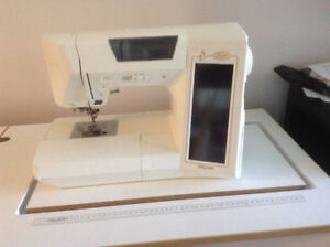 Sewing table and Embrodiery/sewing machine