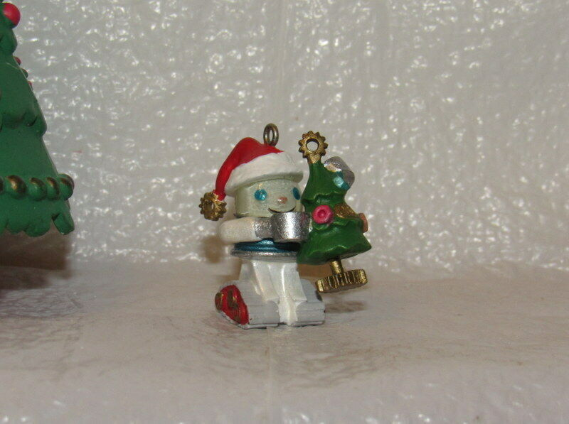 Hallmark Keepsake Miniature Ornament 2001 Gearing Up For Christmas Robot Elfbot