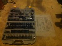220pc socket set