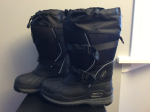Woman Baffin Impact Winter Boots