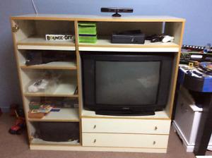 Meuble télé avec deux table de salon