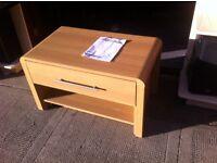 Oak TV cabinet / as new