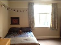 Double room to rent in central Headingley