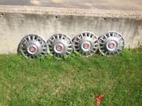 4 1968 mustang hubcaps