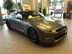 2016 Nissan GT-R BLACK EDITION - SUPERCAR WITH 565HP ! ! !
