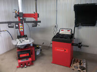 Tire Changer / Wheel Balancer / Lift / Machine a pneu NEUF!!!!!