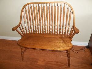 SOLID WOOD DEACON'S HALL BENCH
