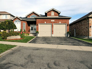 LACKNER WOODS-ALL BRICK SPACIOUS BUNGALOW-FINISHED TOP-BOTTOM Kitchener / Waterloo Kitchener Area image 1