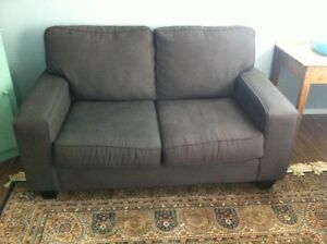 Grey couch - Creston