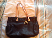 Michael Kors Authentic leather tote bag