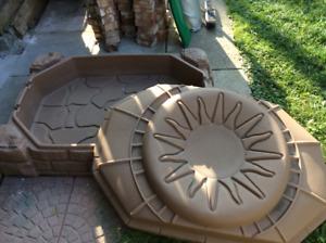 Super grand 'carré de sable / Big sand box