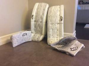 Youth Goalie Pads, Blocker & Trapper