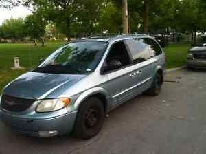 2003 Chrysler Town & Country Cuire Camionnette