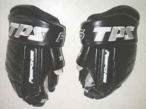 TPS Response R6 Senior 13 Inch Hockey Gloves London Ontario image 1