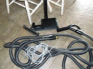 Central Vacuum Hose & Deluxe Rug Attachment
