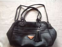 Ladies shoulder handbag black colour used £2