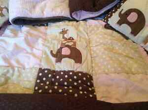 lamb and Ivy crib set