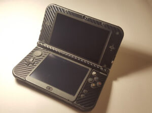 Selling New Nintendo 3DS + 32 GB SD Card + Case + Box