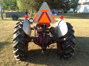 Ford 8N Tractor - 1952 + Accessories