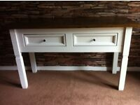 Lovely shabby chic console/hall table
