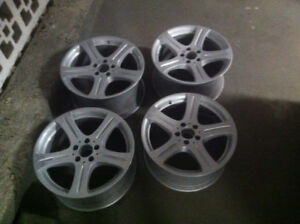 !ASAP! URGENT !Original 4 Mercedes Mags 18 inch for only 300$ !
