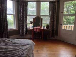 Spacious Downtown 3 Bedroom Unit for rent December 1st
