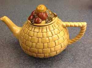 Tan Basket Tea Pot With Fruit And Flower Lid