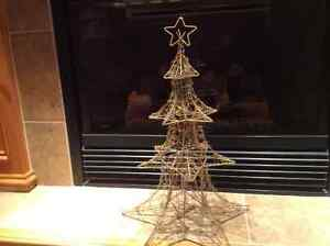 CHRISTMAS ACCENT TREE