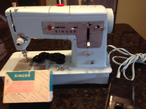 Singer Sewing Machine | Kijiji in Regina  - Buy, Sell & Save
