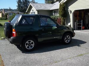 2000 Chevrolet Tracker Convertible