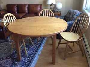 Solid Pine IKEA table / 3 chairs