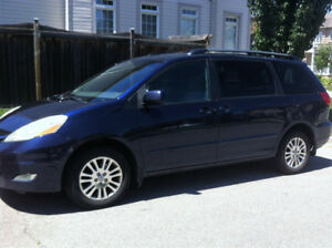 2007 Toyota Sienna LE, All Wheel Drive,Excellent driving conditi