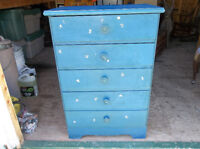 Solid wood dresser with five drawers