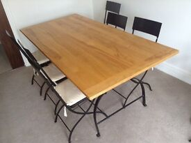 Lovely wooden 6 seater table (with 6 chairs)