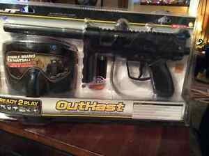 Paintball gun with accessories New in package Belleville Belleville Area image 2
