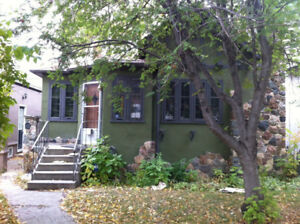 CHARACTER HOME LOCATED IN NUTANA
