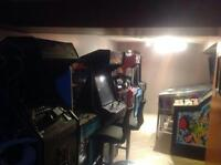 Wanted Arcade Games or Pinballs ***